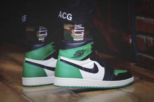 "An On-Feet Look at the Air Jordan 1 High ""Pine Green"""