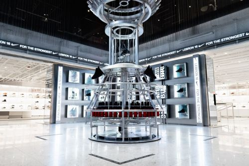 """A Closer Look at Nike's """"House of Innovation 000"""" NYC Flagship"""