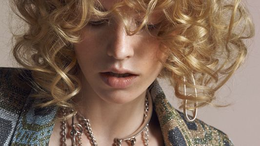 Curls and Waves: a new editorial by Thomas Knieps and Wendy Iles