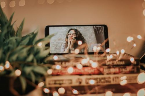 25 Virtual Date Ideas For Long-Term Couples & New Hinge Matches Alike