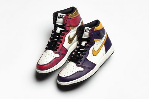"""Nike SB x Air Jordan 1 """"Lakers"""" Actually Turns Into """"Chicago"""" Colorway After Multiple Wears"""