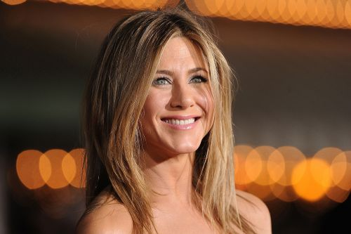 Jennifer Aniston auctions iconic 1995 nude portrait for coronavirus relief