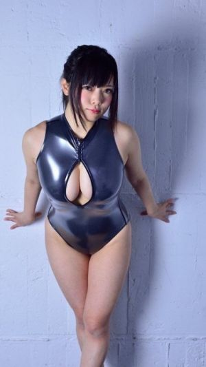 Wetswimsuitsextoy:Good hostess wait more guest for service top