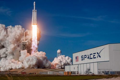 SpaceX Sends Christmas Dinner to ISS Astronauts in Space
