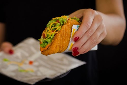"Taco Bell Enters the ""Chicken Wars"" with a New 2021 Offering"