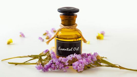 Beautify your skin: The top 4 essential oils for your face