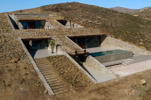 "MOLD Architects ""NCaved"" Home Is Concealed Within a Cliff"