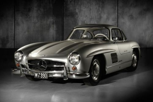 A Classic 1955 Mercedes-Benz 300 SL Gullwing Is Now up for Auction