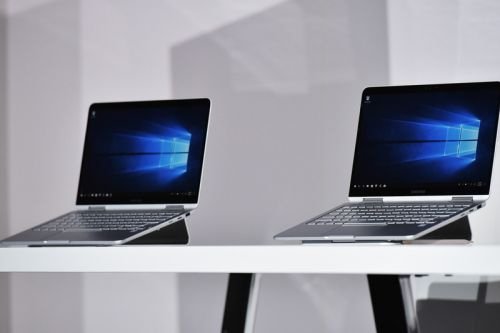 Samsung Reveals World's First 15.6-Inch 4K OLED Laptop Display