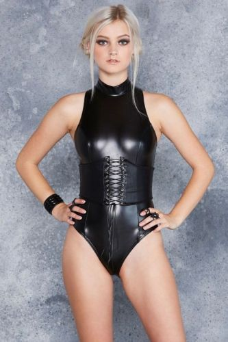 Wetswimsuitsextoy:New guest try rubber fashion for late