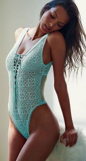 Girls-in-leotards:Leotard