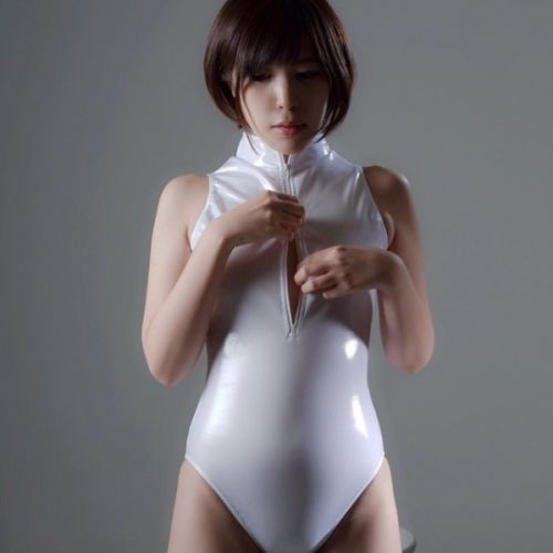 Wetswimsuitsextoy: New hostess try zipper style for bar shift!!👀🍷👀🍷👀🍷👀🍷🈹🈺😍