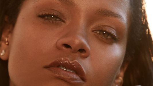 Rihanna Is About to Debut a Fenty Fragrance
