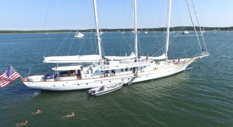 Manhattan Yacht Club Teams Up with Champagne Bollinger