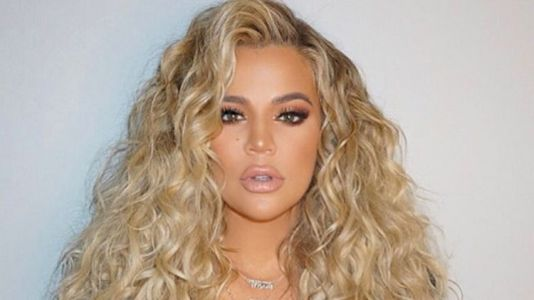 This Is Why Khloé Kardashian Has Been Rocking Curly Hair Throughout Her Pregnancy
