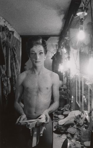 Portraits of the Outsider: the Early Photography of Diane Arbus