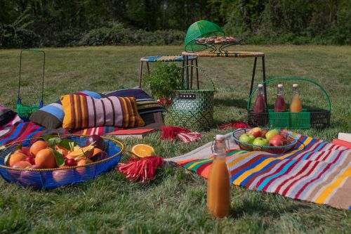 """The """"MARNI MARKET GOES AROUND"""" Collection Is a Kitsch, Picnic-Ready Summer Statement"""