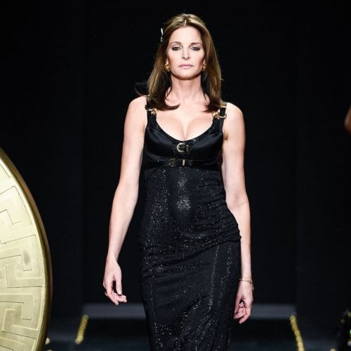 Versace just brought another iconic 90s super back to the runway