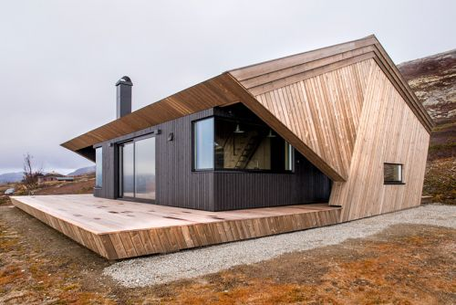 Function Meets Art in This Norwegian Hooded Cabin