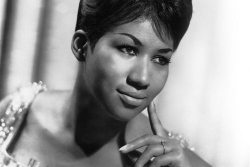 """Aretha Franklin, """"Queen of Soul,"""" Passes Away at 76"""