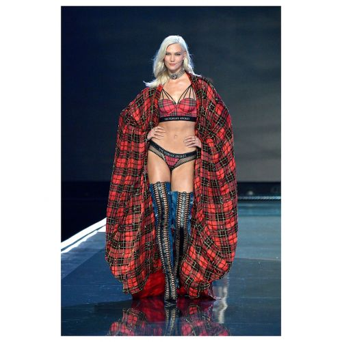 Here Are The Looks From The 2017 Victoria's Secret Fashion Show