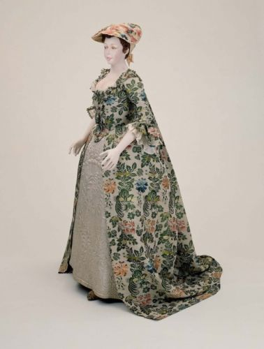 Fashionsfromhistory: Wedding Dress 1742 Museum of Fine Arts