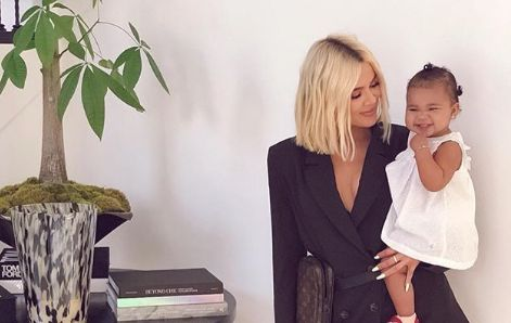 There's a Reason Khloé Kardashian Blurred the Background in Her Latest Pic With Daughter True