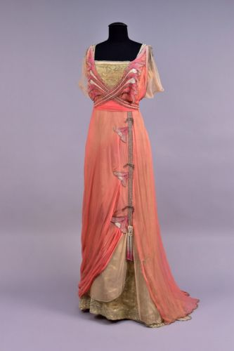 Fashionsfromhistory: Evening Dress House of Worth Early 20th